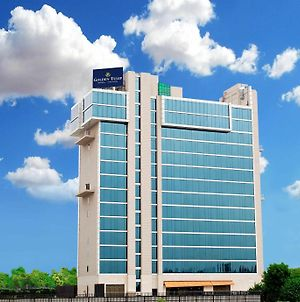 Golden Tulip Suites Gurgaon photos Exterior