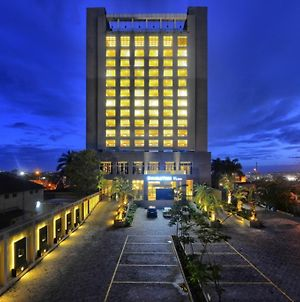 Doubletree By Hilton Hotel Pune - Chinchwad photos Exterior
