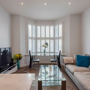 Modern High Spec Flat For 4 In West Hampstead photos Exterior