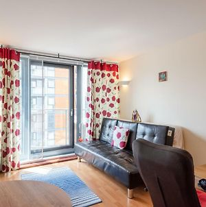 1Br Flat In Blackwall Way By Guestready photos Exterior