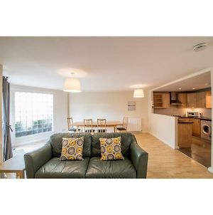 Immaculate 2 Bed House, Sleeps 4, Free Parking photos Exterior