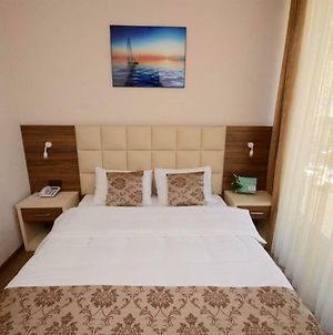 An Awesome Choice For Your Stay In Batumi photos Exterior