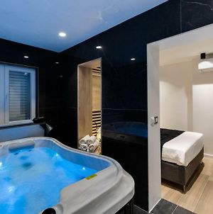 Marcius Luxury Apartment With Jacuzzi & Sauna photos Exterior