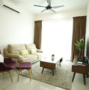 Cozy 3 Bedroom Apartment Near Kl City Center photos Exterior