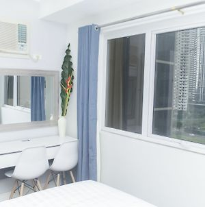 Stylish Studio Apartment At Bgc photos Exterior
