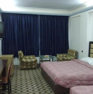 Merryland Hotel photos Room