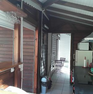 Bungalow With 2 Bedrooms In Bouillante, With Terrace And Wifi - 100 M photos Exterior