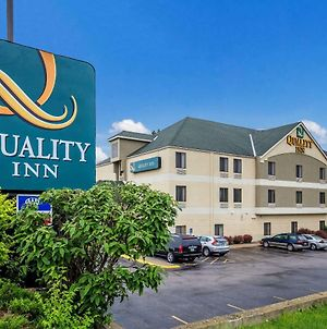 Quality Inn I-70 Near Kansas Speedway photos Exterior