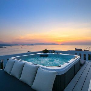 Apartment With Rooftop Hot Tub photos Exterior