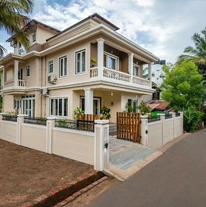 Villa Serenity 6 Bhk Premium Bungalow With Private Pool And Parking photos Exterior
