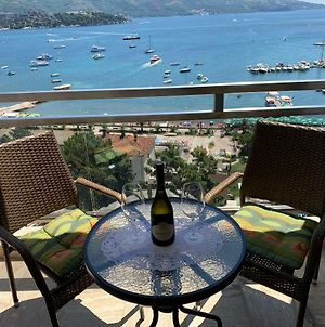 Panoramic Sea View 3-Bedroom Apartment 50 M From The Sea photos Exterior