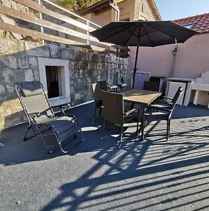 Explore Old Town And All The Beauties In Omis Staying At Apartment Olmissum photos Exterior