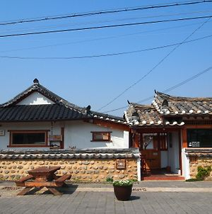 Floral Space Hanok Guesthouse photos Exterior