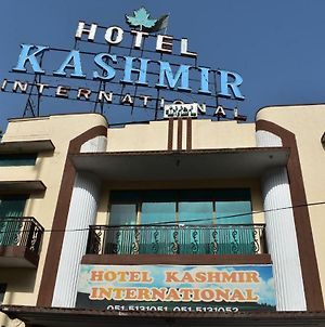 Hotel Kashmir International photos Exterior
