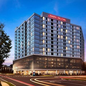 Hampton Inn & Suites Teaneck/Glenpointe photos Exterior