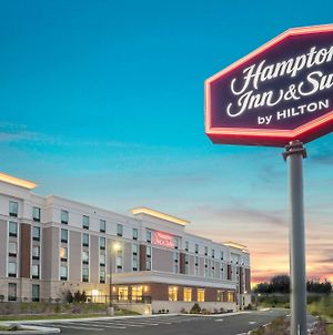Hampton Inn & Suites Newburgh Stewart Airport, Ny photos Exterior