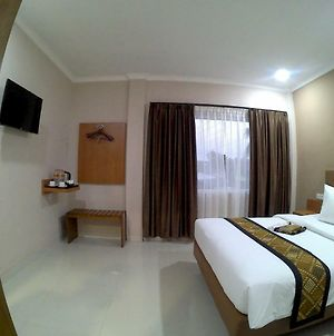 Mr J Suites Hotel Tegal photos Exterior