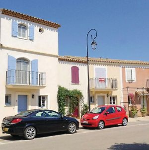 Three-Bedroom Holiday Home Aigues-Mortes 0 05 photos Exterior