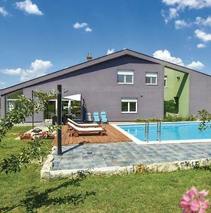 Holiday Home Trilj With Hot Tub II photos Exterior