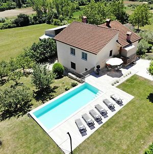 Holiday Home With Pool And Garden photos Exterior