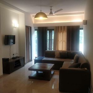 Posh Serviced Apartments In East Of Kailash, South Delhi photos Exterior