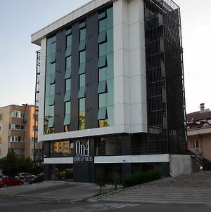 On4 Rooms & Suites photos Exterior