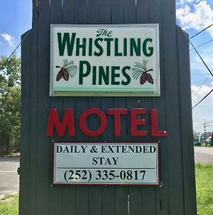 Whistling Pines Motel- Daily And Extended Stay photos Exterior