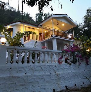 White House By Ekdant Holiday Home photos Exterior