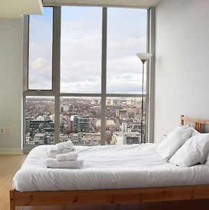 1 Bedroom Apartment With Toronto Skyline Views photos Exterior