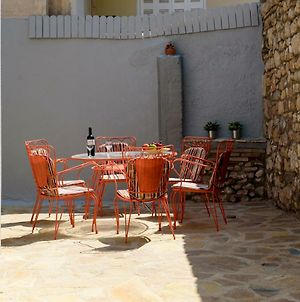 Renovated One Bedroom Flat In Kerameikos With Courtyard By Bnbplus photos Exterior