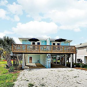 New Listing! Remodeled Beach Retreat With 2 Units Duplex photos Exterior