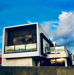 Newly Built Modern Contemporary Villa Inspired 2 Pax Add Php 1500 After 2 Pax photos Exterior