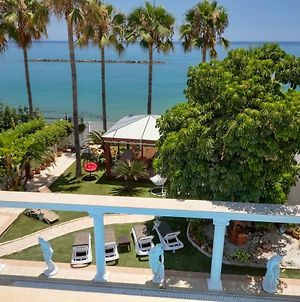 Limassol Beachfront Holiday Villa photos Exterior