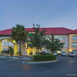 La Quinta Inn & Suites By Wyndham Fort Myers Airport photos Exterior