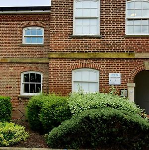 Nunnery Fields - Cosy Apartment With On Site Parking photos Exterior