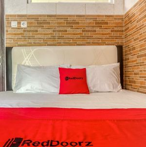 Reddoorz @ Panglima Polim 2 photos Room