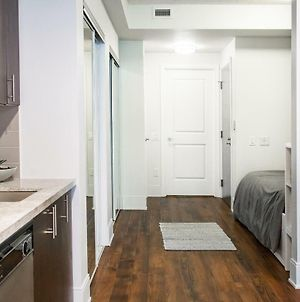 1 Bedroom Flat With Balcony In Fashion District photos Exterior