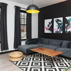 Beautiful 2 Bedroom Apartment In The Heart Of Toronto photos Exterior
