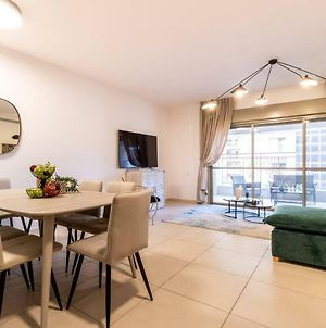 Stylish 3 Bedrooms/Parking At City Gate photos Exterior