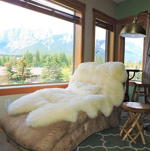 Fenwick Vacation Rental Glorious Mountain 2 Bedroom photos Exterior
