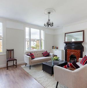 Stunning 2 Bedroom Home In The Heart Of Ealing photos Exterior