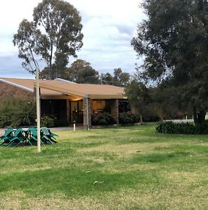 Tatura Country Motel photos Exterior