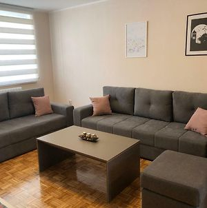 Modern Cozy & Fully Equipped Private Apt W Wifi photos Exterior