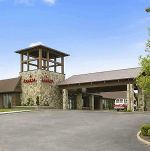Ramada By Wyndham Greensburg Hotel & Conference Center photos Exterior