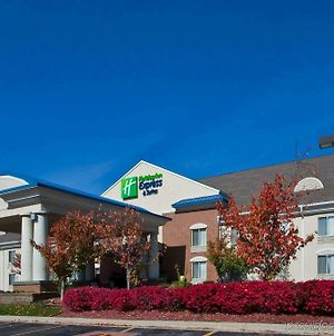 Holiday Inn Express Hotel & Suites Waterford photos Exterior