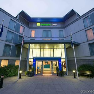 Holiday Inn Express London Stansted Airport, An Ihg Hotel photos Exterior
