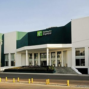 Holiday Inn Express Toluca photos Exterior