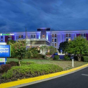 Holiday Inn Express Washington Dc East - Andrews Afb photos Exterior