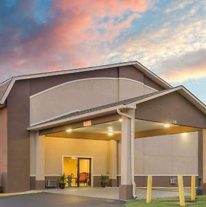 Super 8 By Wyndham Shelbyville photos Exterior
