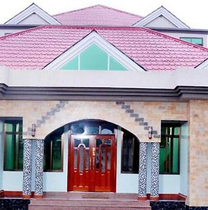 An Amazing Double Room Offering A Wonderful Experience In Arusha. photos Exterior